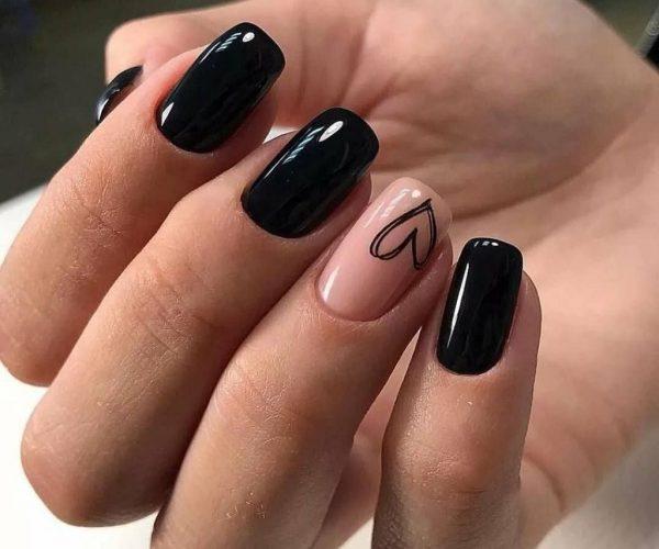Black nails design